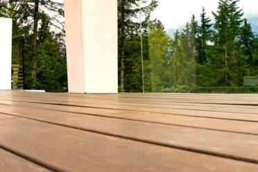 ambooo Terrassendiele aus Bambus kaufen - Diele Santos, Farbton espresso, Profil (glatt / französisch)